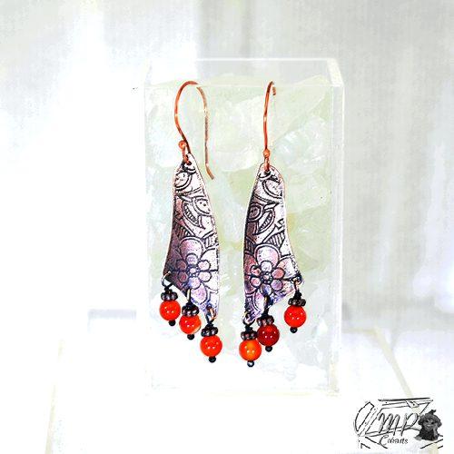 Boucles d'oreille Shanna en cuivre gravé et perles en cornaline