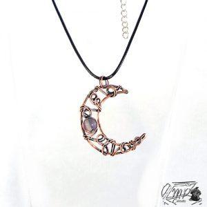 pendentif ruis - demie lune en cuivre avec sa perle en fluorite