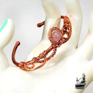 bracelet jonc eludril en cuivre et perle en quartz rose