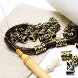 bijoux de cheveux ou de barbe runiques aspect vieilli
