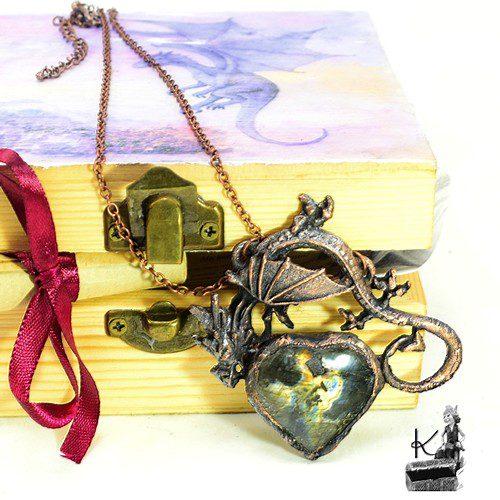 tresor box rhaegal en cuivre avec coeur en labradorite