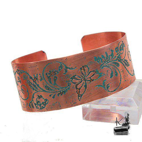 bracelet manchette adela en cuivre gravé