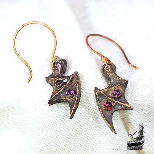 boucles d'oreille Magnus en cuivre et grenat