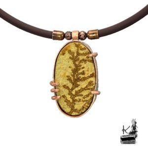 collier alis avec dendrites d'oxyde de manganèse serti cuivre