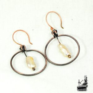 Boucles d'oreille Nya avec perles Biwa